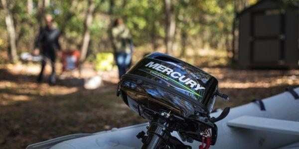 Nieuw: Mercury 5 pk propaan buitenboordmotor.