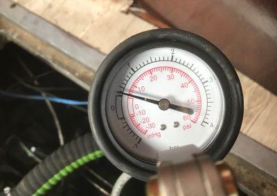 Druk test koelwatersysteem Binnenboordmotoren